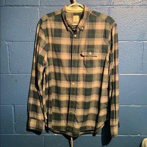 Men's Button-up Gap shirt